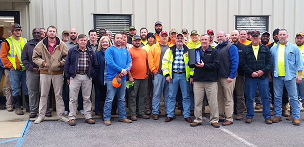 Caddell's maintenance team at Logan-Martin Dam wins safety award.